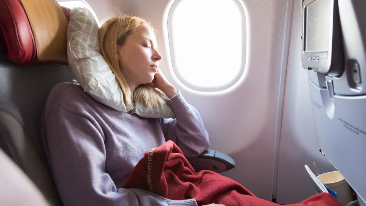 How to maintain sound sleep when changing time zones?